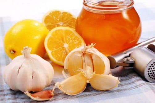 Мед, лимон, часник