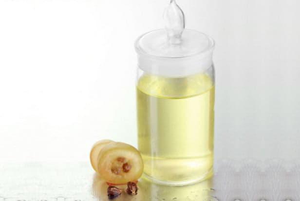 Особливості складу і користь компонентів виноградної олії