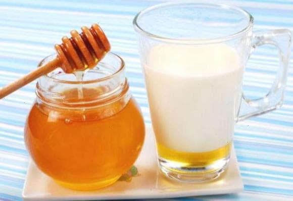 Молоко з медом від кашлю - прості рецепти і відео інструкція